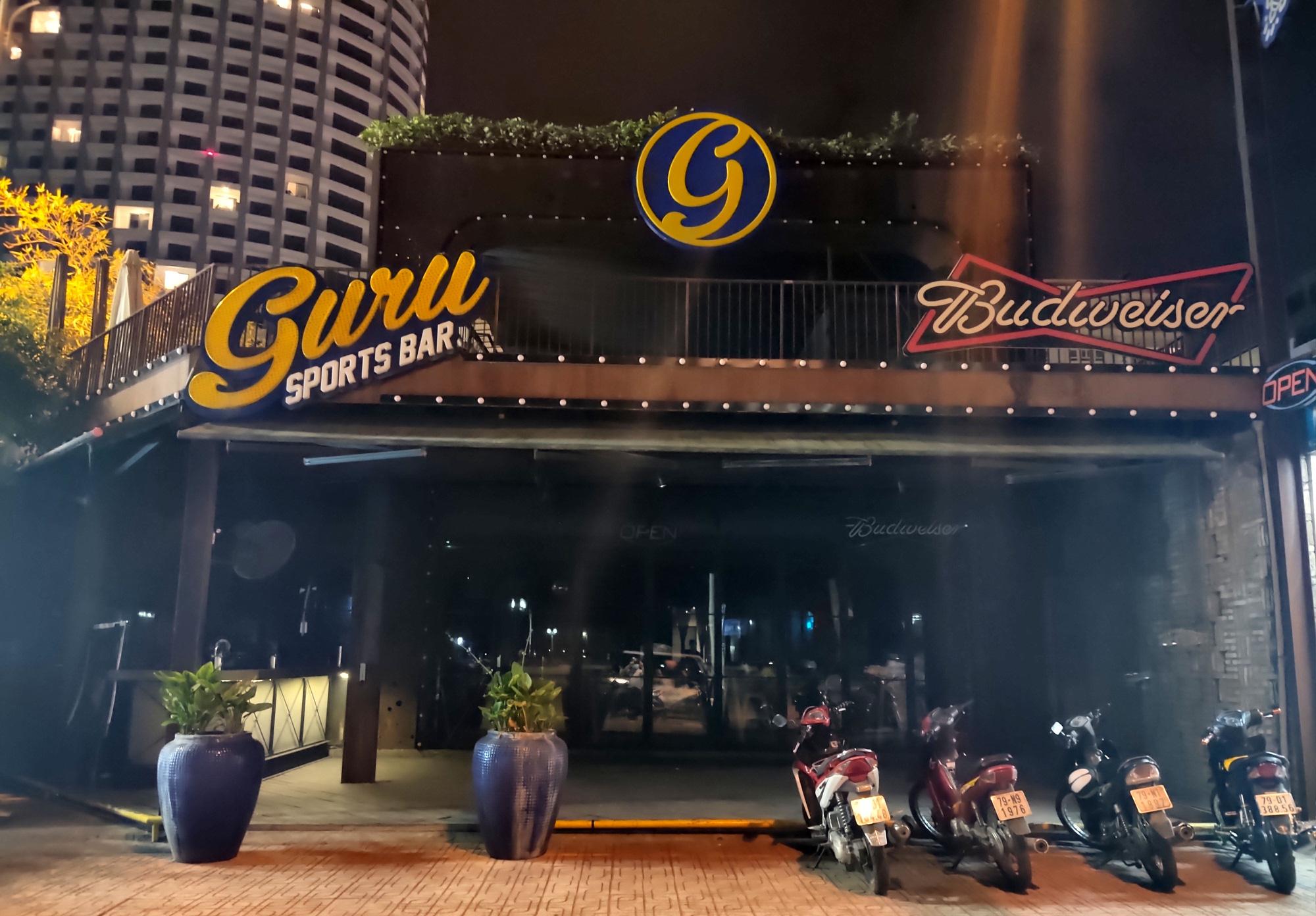 TP Nha Trang lạ lẫm khi hàng loạt khách sạn, nhà hàng, bar tắt đèn - Ảnh 2.