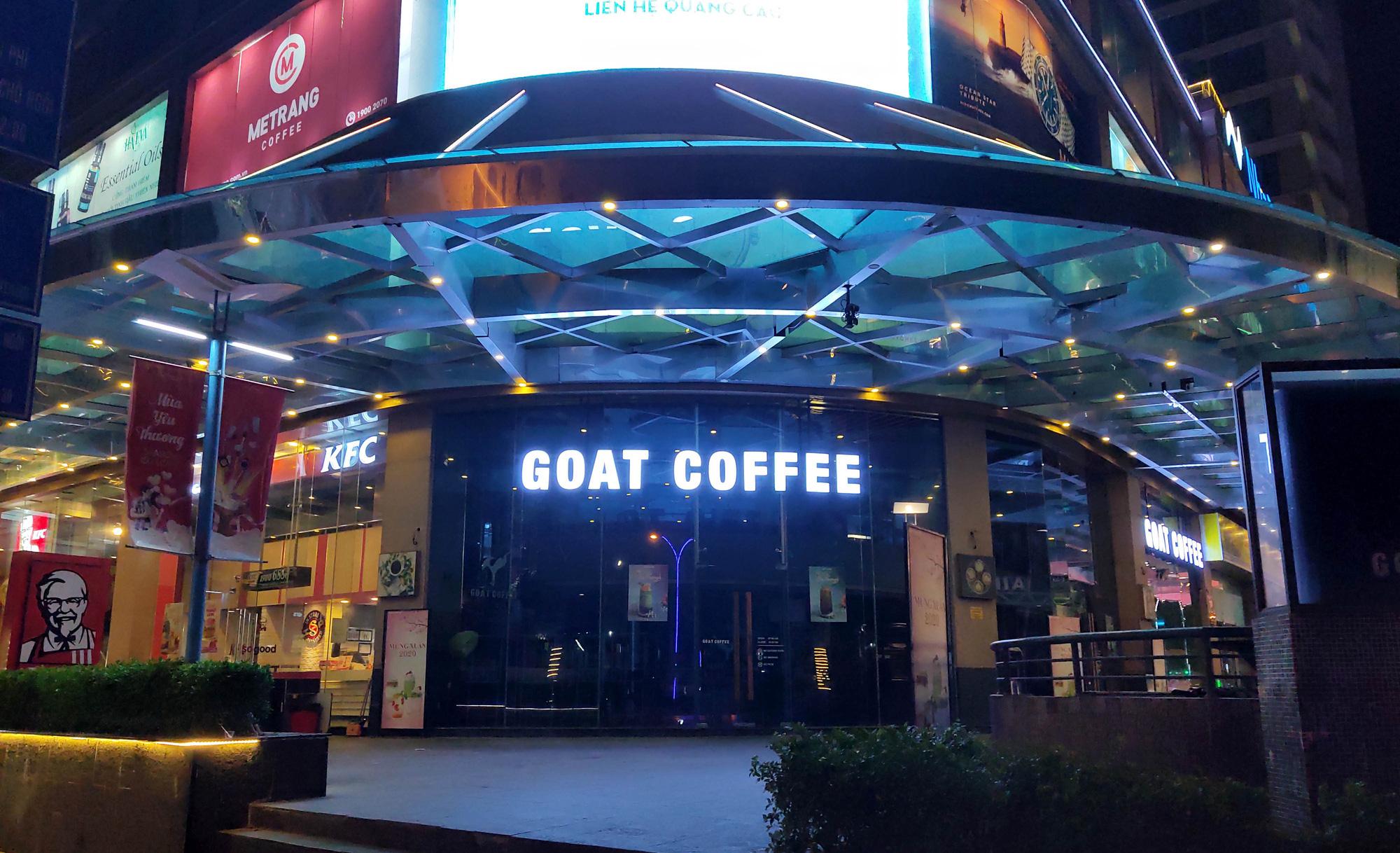 TP Nha Trang lạ lẫm khi hàng loạt khách sạn, nhà hàng, bar tắt đèn - Ảnh 5.