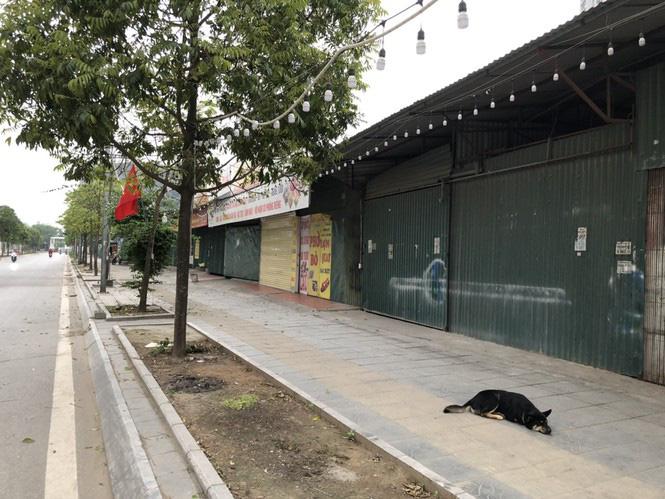 Ngày đầu Hà Nội thực hiện 'lệnh' đóng cửa hàng quán - Ảnh 4.