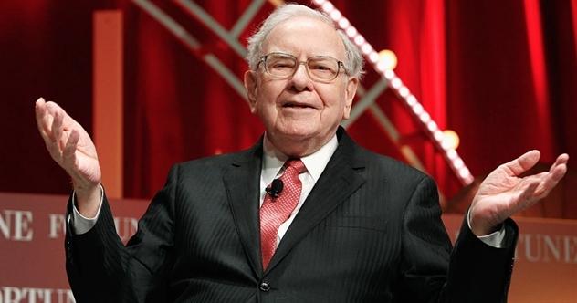 Công ty của Warren Buffett có đủ tiền để mua Tesla, Starbucks hoặc McDonald's sau cú đổ đèo của thị trường - Ảnh 1.