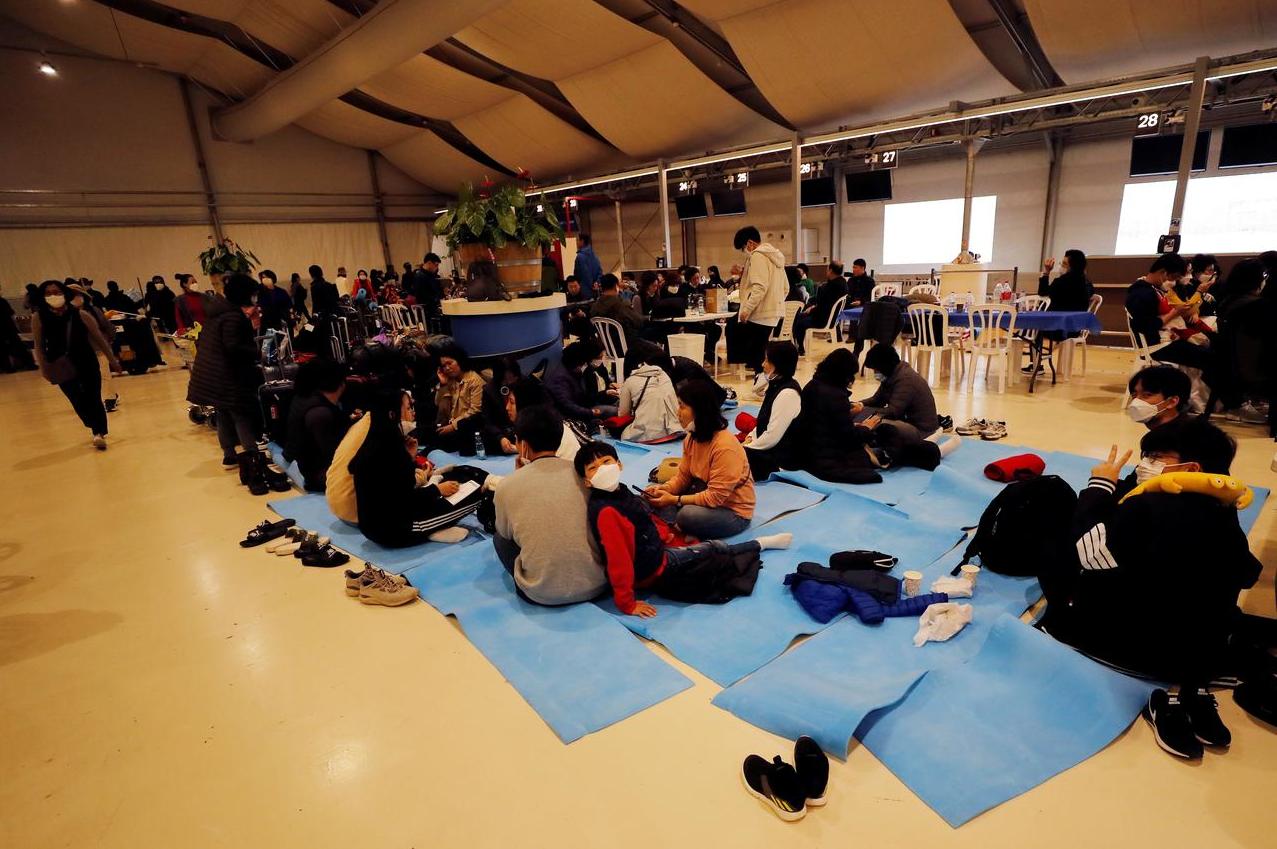 82 quốc gia, lãnh thổ trên thế giới hạn chế người đến từ Hàn Quốc nhập cảnh vì lo sợ virus corona - Ảnh 2.