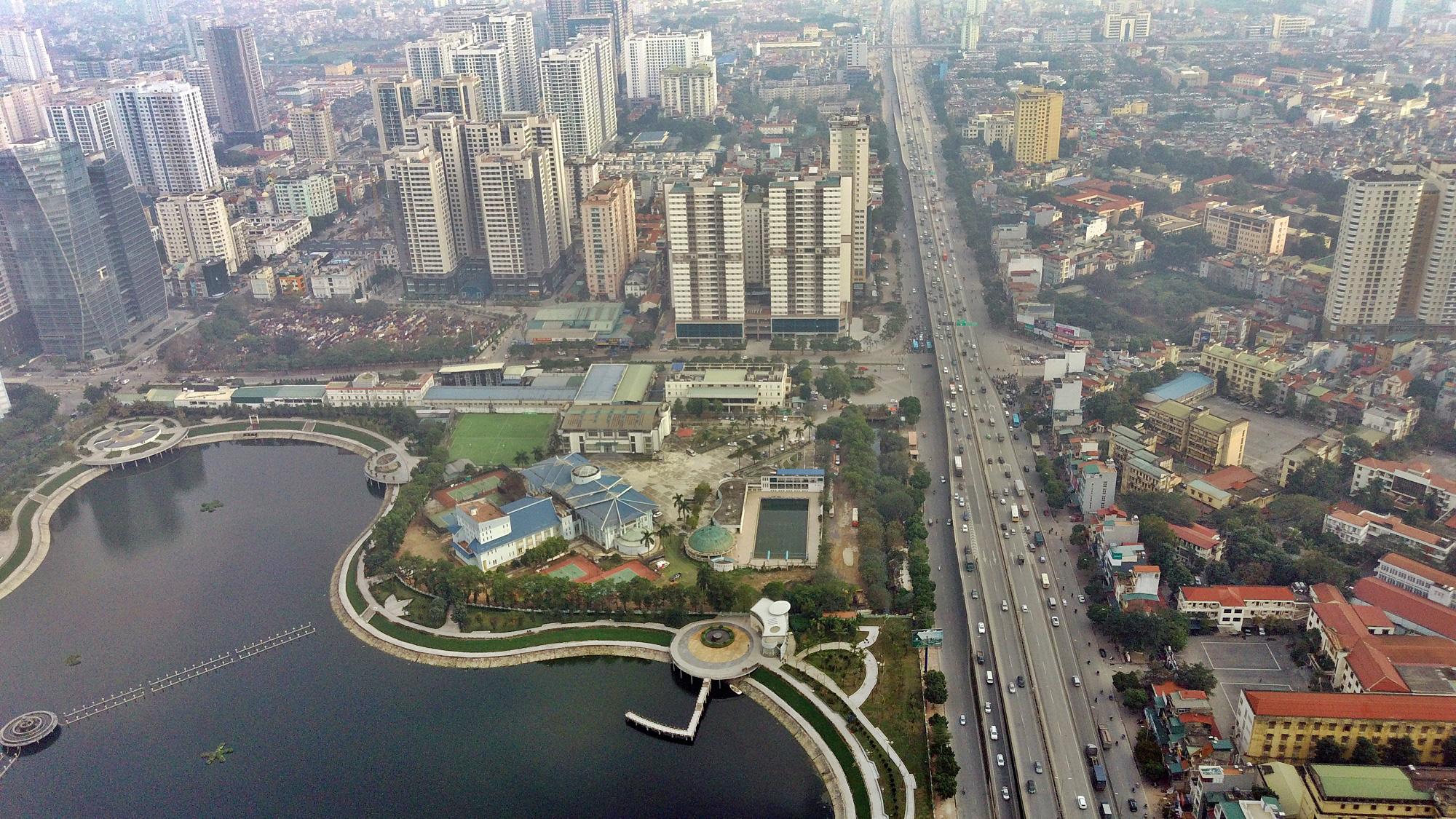 Toàn cảnh khu vực xây hầm chui Lê Văn Lương - Vành đai 3 gần 700 tỉ đồng - Ảnh 1.