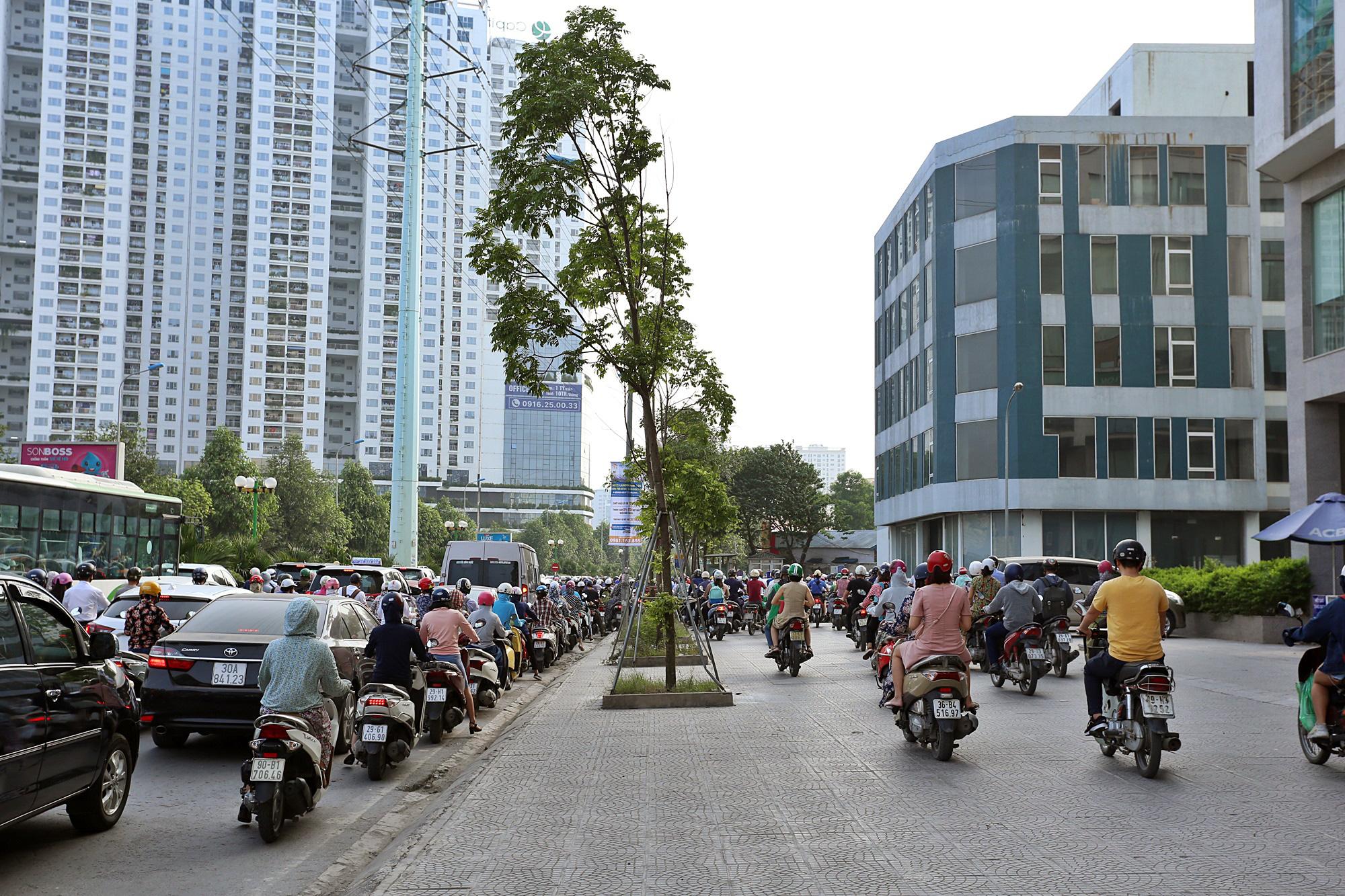 Toàn cảnh khu vực xây hầm chui Lê Văn Lương - Vành đai 3 gần 700 tỉ đồng - Ảnh 17.