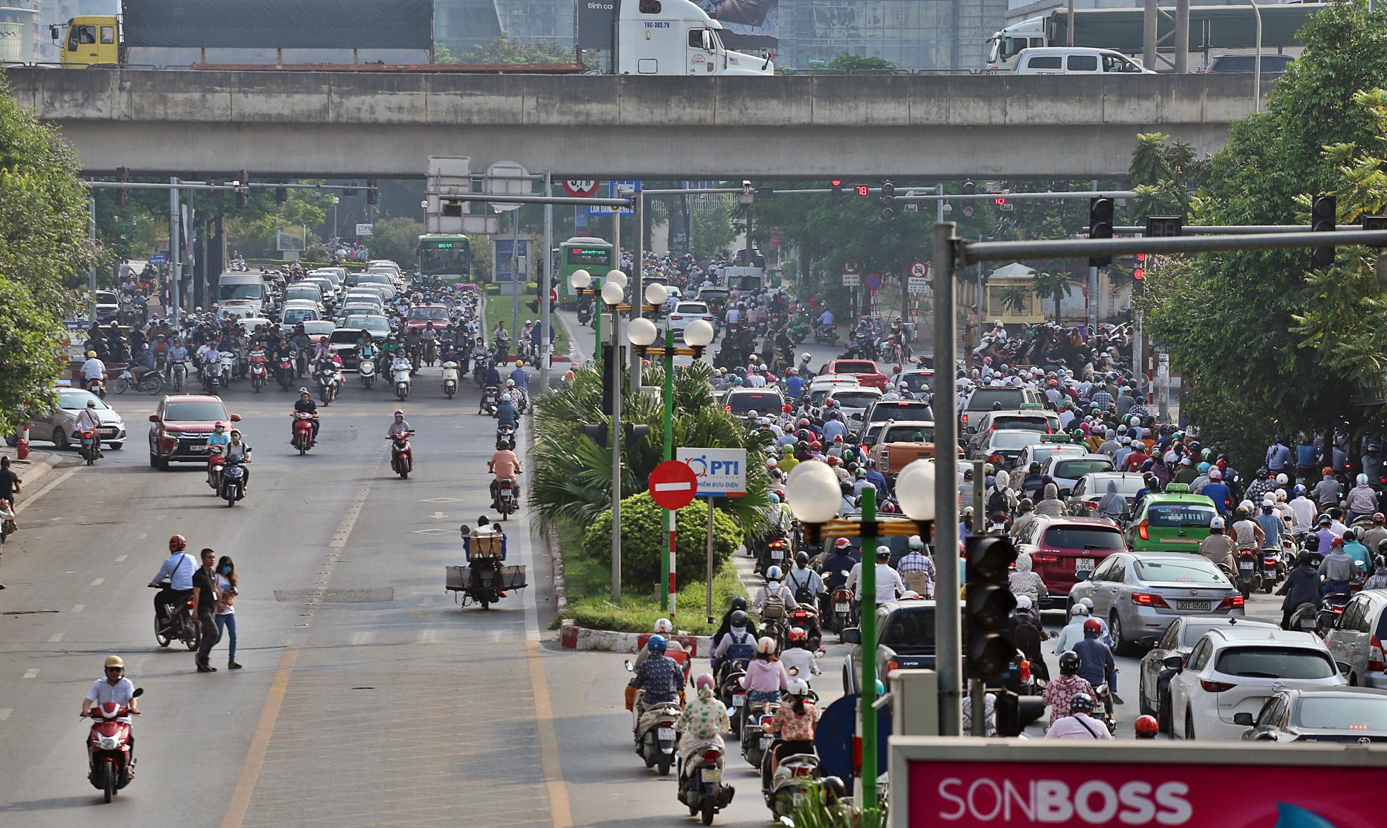 Toàn cảnh khu vực xây hầm chui Lê Văn Lương - Vành đai 3 gần 700 tỉ đồng - Ảnh 20.