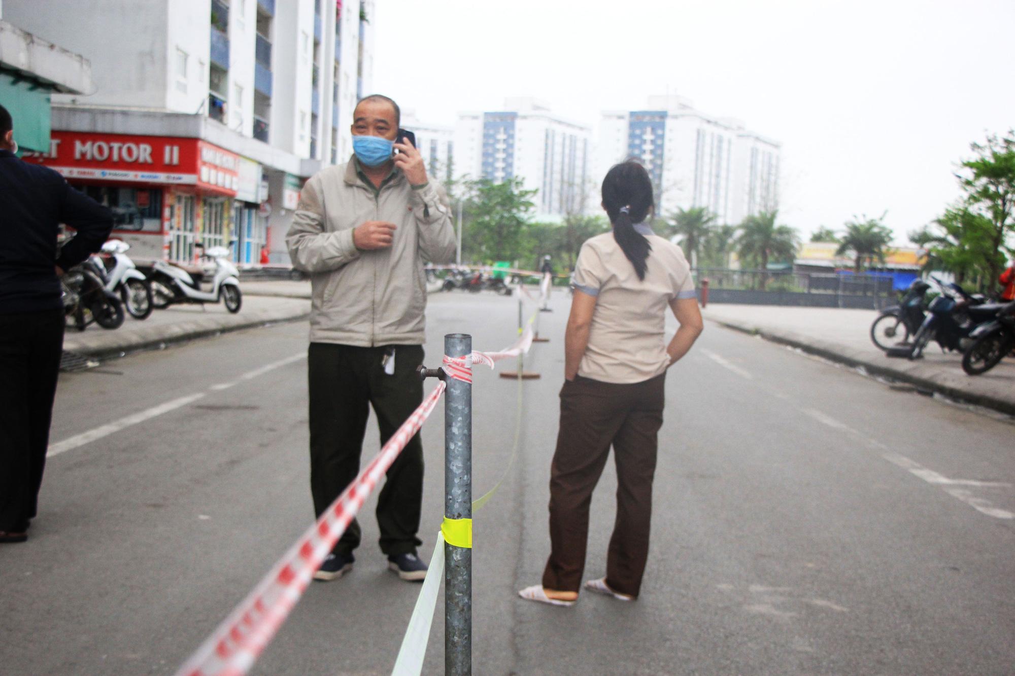 Hà Nội tạm cách li khu chung cư có người dương tính với SARS-CoV-2 - Ảnh 5.