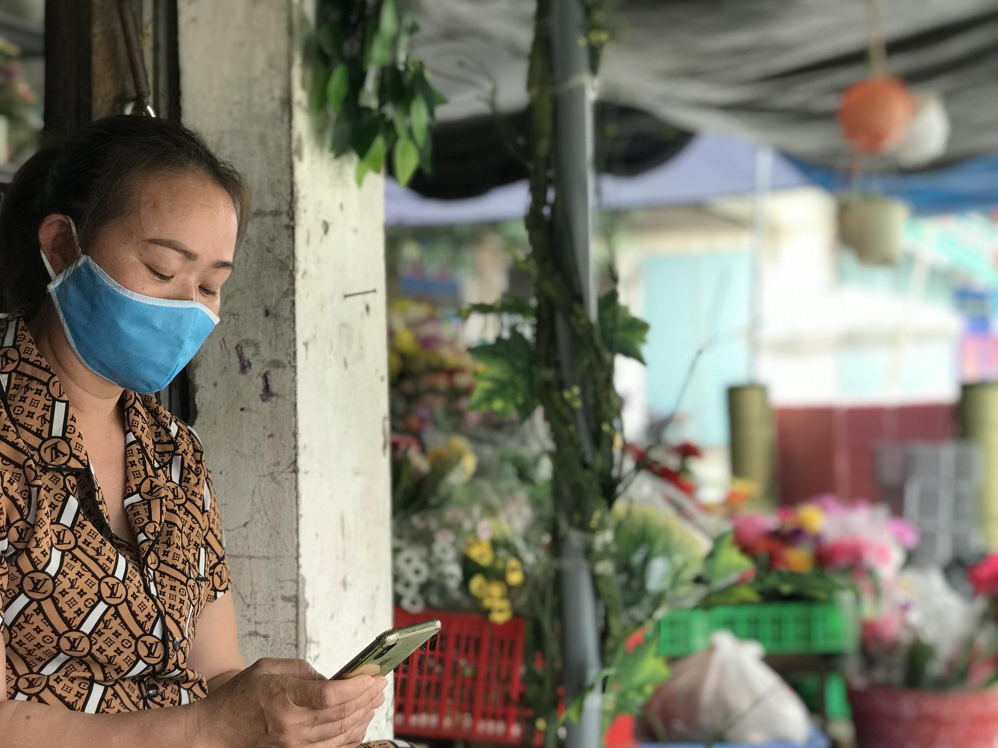 Dịch Covid-19 tại Nghệ An: Tiểu thương chợ Vinh ế ẩm, các cơ sở kinh doanh dịch vụ, giải trí đồng loạt đóng cửa - Ảnh 7.