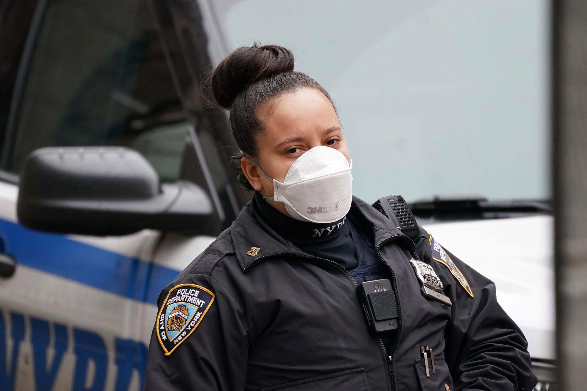 Bang New York có hơn 1.000 ca tử vong vì dịch Covid-19, trong đó có một trường hợp dưới 18 tuổi - Ảnh 3.