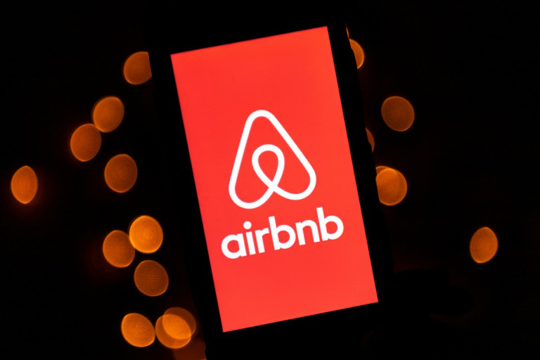 Airbnb trả cho chủ nhà 250 triệu đô la Mỹ khi bị khách hủy vì Covid-19 - Ảnh 1.