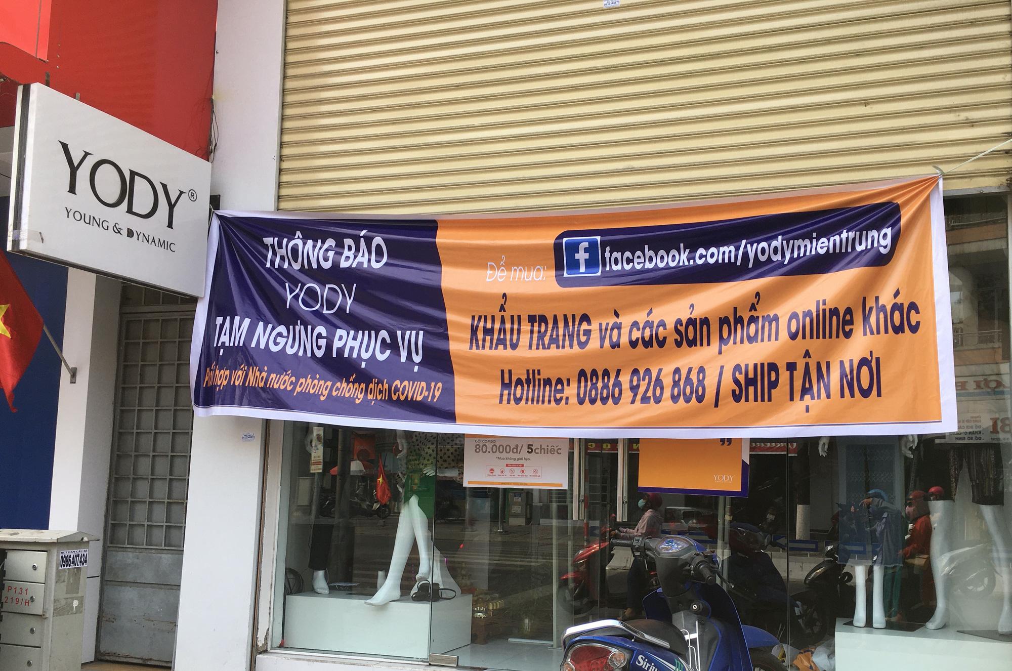 Khách sạn, công trình xây dựng ven biển, các hãng thời trang lớn ở Đà Nẵng đóng cửa hàng loạt trước ngày 'cách li toàn xã hội' - Ảnh 5.
