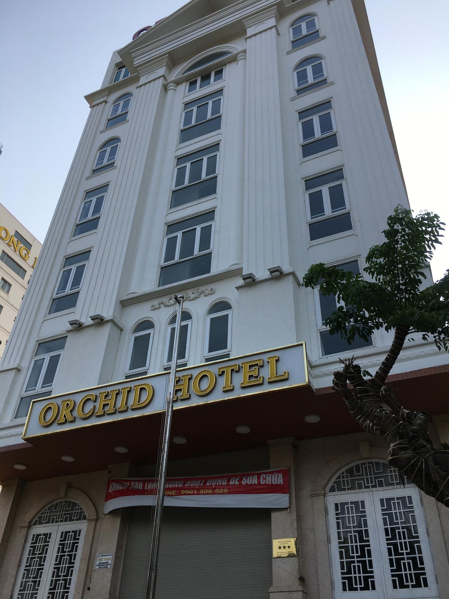 Khách sạn, công trình xây dựng ven biển, các hãng thời trang lớn ở Đà Nẵng đóng cửa hàng loạt trước ngày 'cách li toàn xã hội' - Ảnh 9.