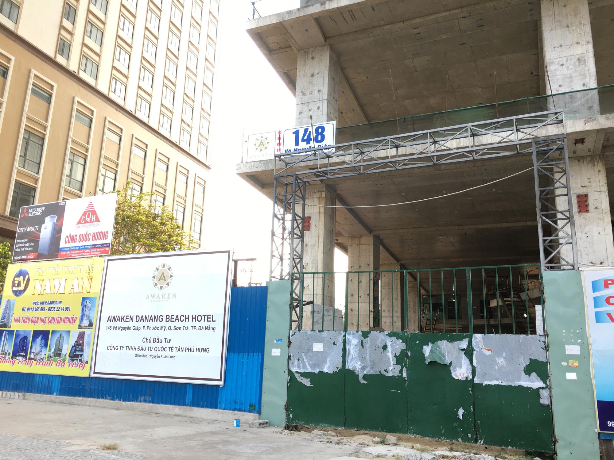 Khách sạn, công trình xây dựng ven biển, các hãng thời trang lớn ở Đà Nẵng đóng cửa hàng loạt trước ngày 'cách li toàn xã hội' - Ảnh 10.