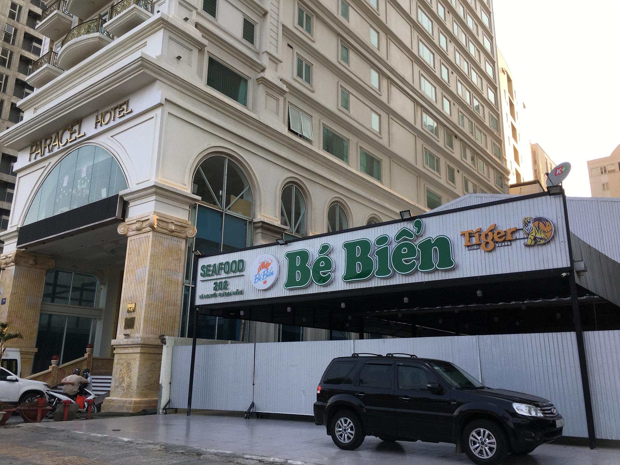 Khách sạn, công trình xây dựng ven biển, các hãng thời trang lớn ở Đà Nẵng đóng cửa hàng loạt trước ngày 'cách li toàn xã hội' - Ảnh 7.