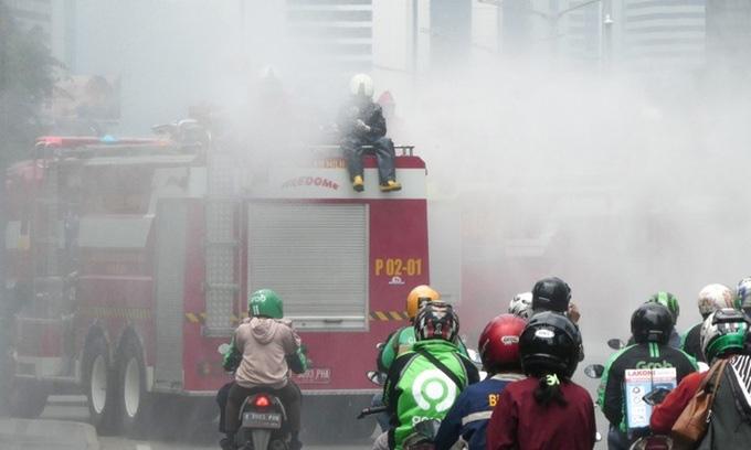 Cập nhật dịch virus corona trên thế giới ngày 31/3: Số ca tử vong ở Pháp tăng kỉ lục, Indonesia tuyên bố tình trạng khẩn cấp quốc gia - Ảnh 2.