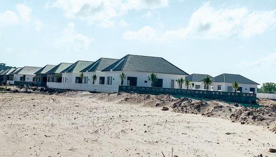 Hơn 40 căn nhà xây dựng trái phép mọc lên trước sự bất lực của chính quyền xã Dương Tơ. (Ảnh: Minh Tuấn)