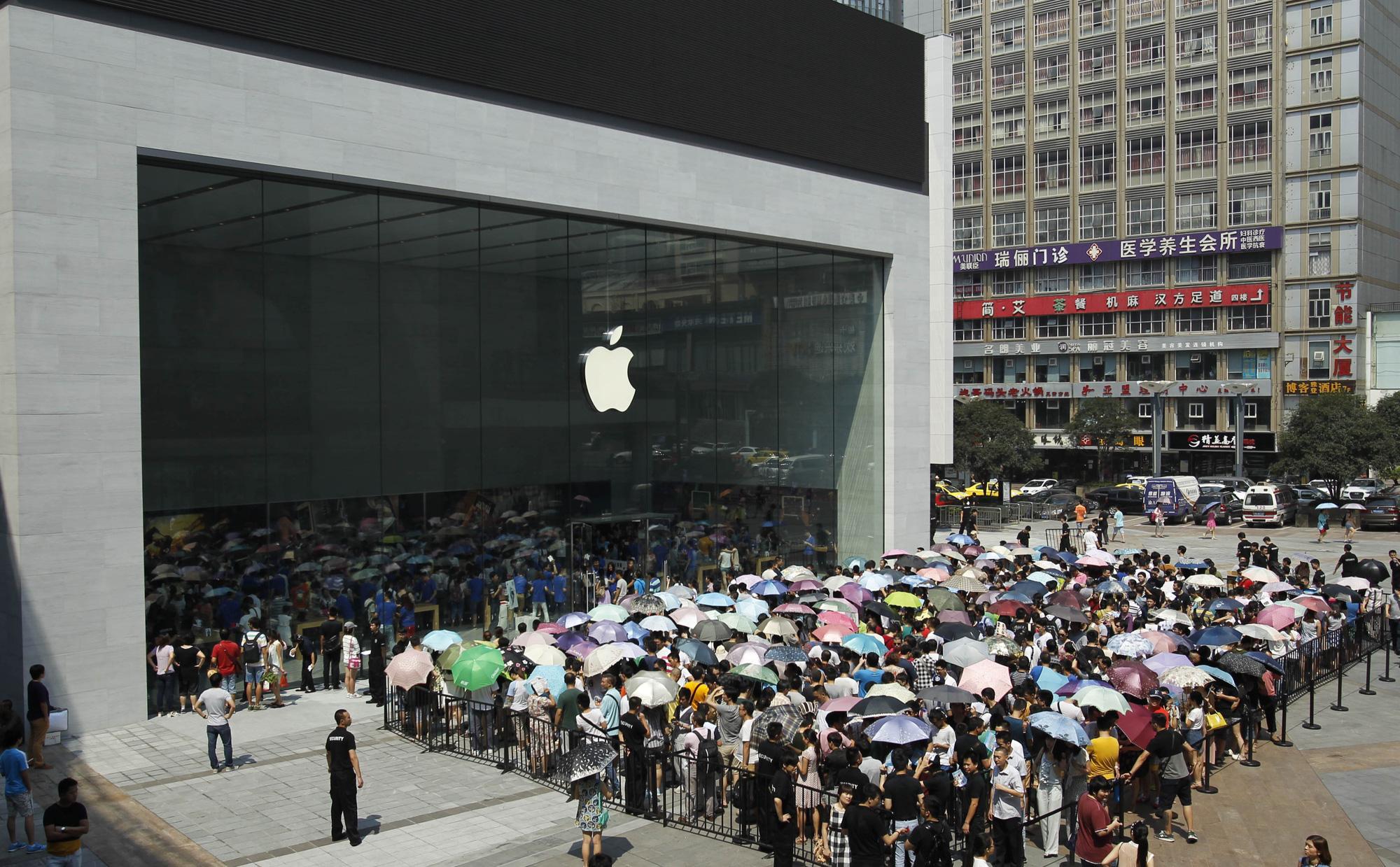"""Vì sao đối với Apple, Trung Quốc vừa là """"cửa sinh"""" vừa là """"cửa tử""""? - Ảnh 3."""