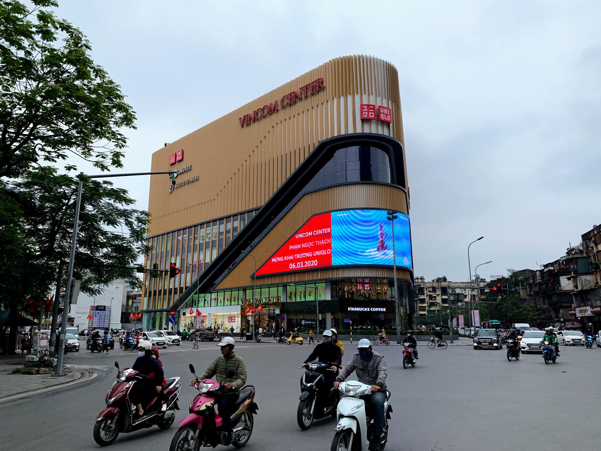 Bên trong cửa hàng Uniqlo lớn nhất Đông Nam Á ở Hà Nội có gì? - Ảnh 15.