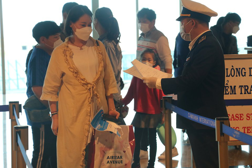 Du khách đi tour du lịch kích cầu cần khai báo y tế - Ảnh 1.