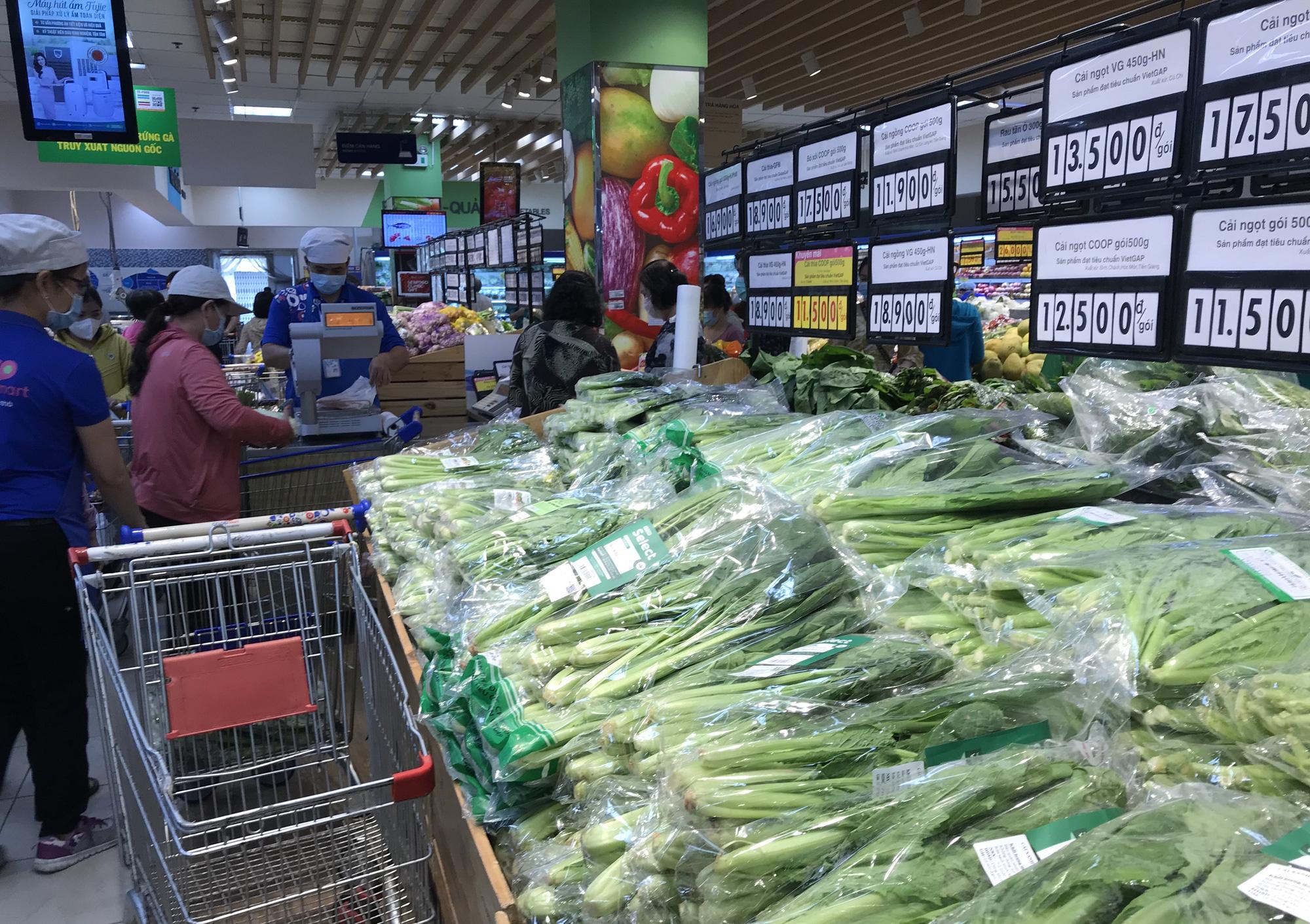 Phó Thủ tướng: Không nên chen lấn trong siêu thị mua hàng hoá lúc này, Big C tuyên bố đủ hàng hóa cho mọi người dân - Ảnh 2.