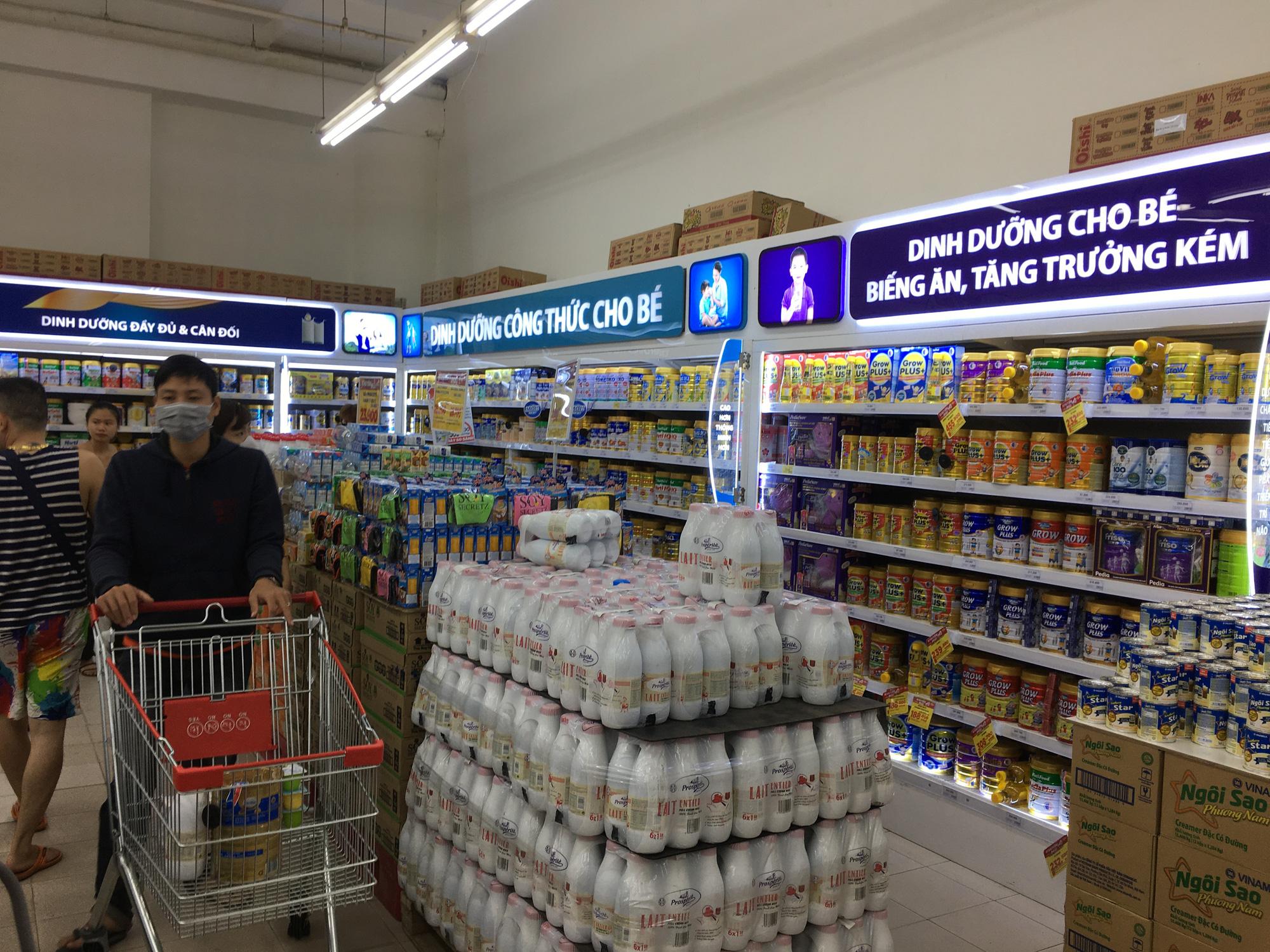 Siêu thị ở Đà Nẵng tràn đầy hàng trăm tấn hàng hóa cho nhu cầu người dân - Ảnh 10.