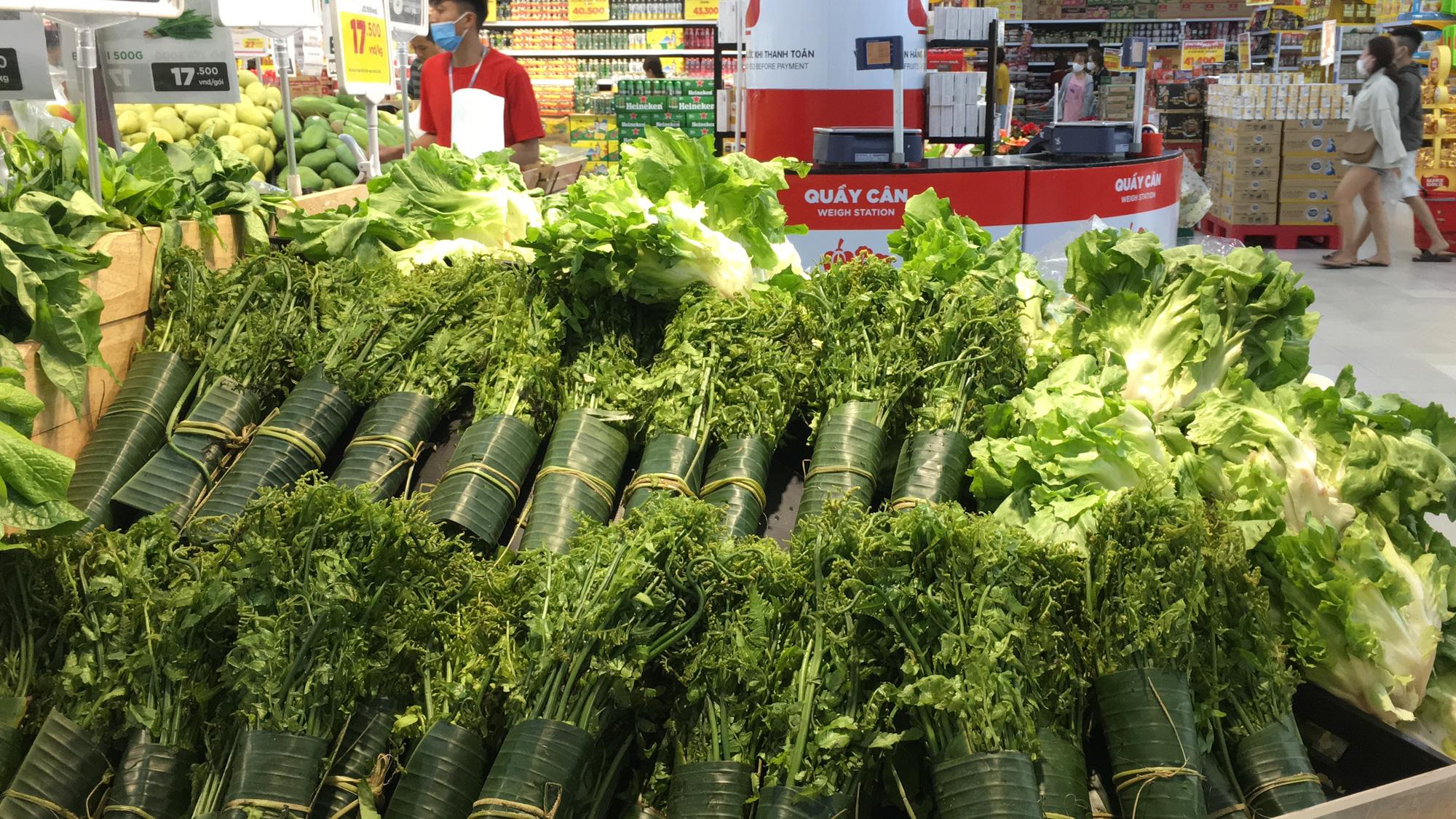 Siêu thị ở Đà Nẵng tràn đầy hàng trăm tấn hàng hóa cho nhu cầu người dân - Ảnh 1.