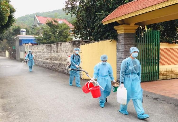 Phong tỏa ba khu dân cư phòng Covid-19 - Ảnh 2.