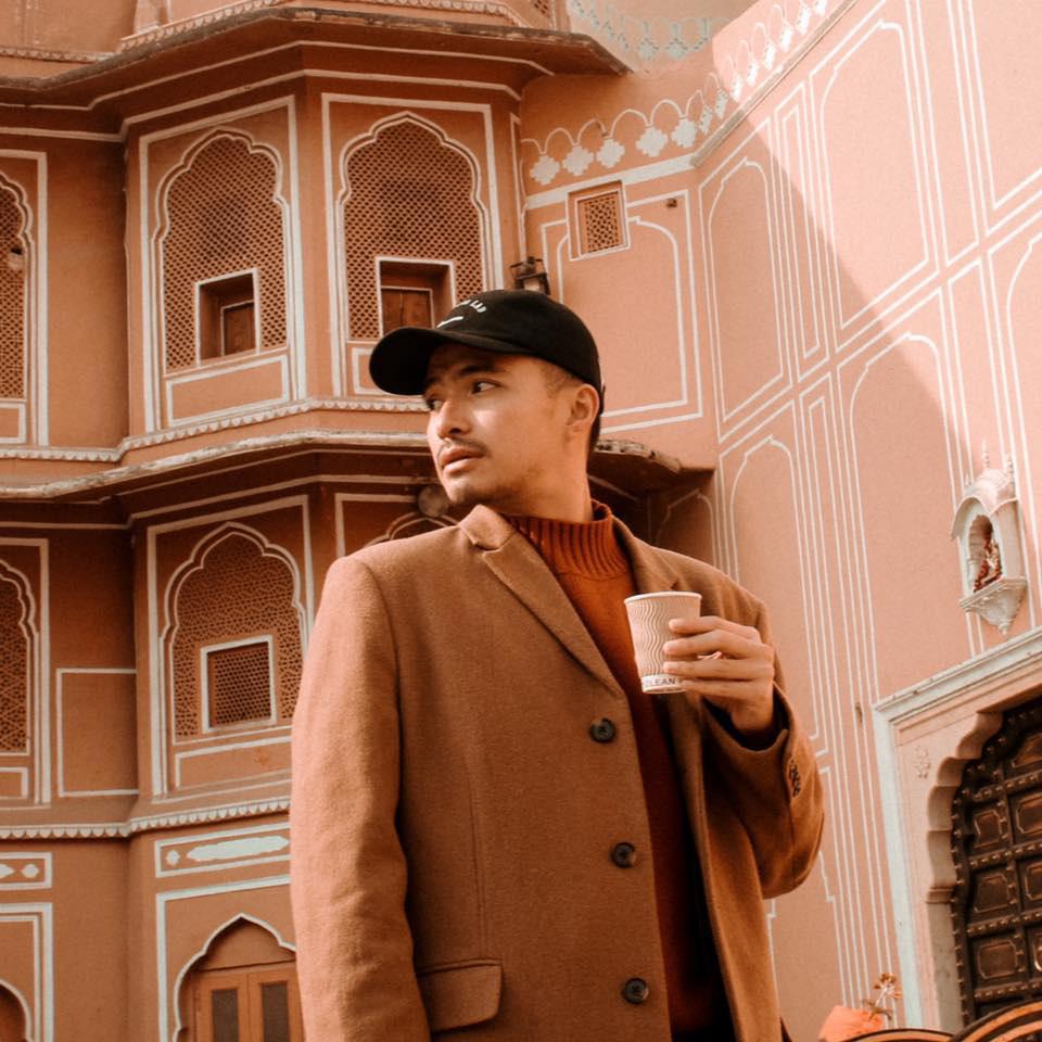 Travel blogger nổi tiếng chia sẻ về lần đầu cách li khi lưu trú tại khách sạn - Ảnh 1.