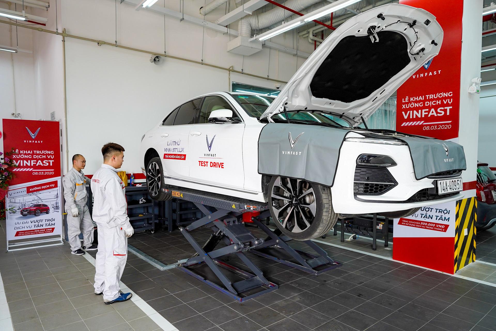 VinFast của tỉ phú Phạm Nhật Vượng trở thành hãng xe có hệ thống xưởng dịch vụ lớn nhất Việt Nam - Ảnh 3.