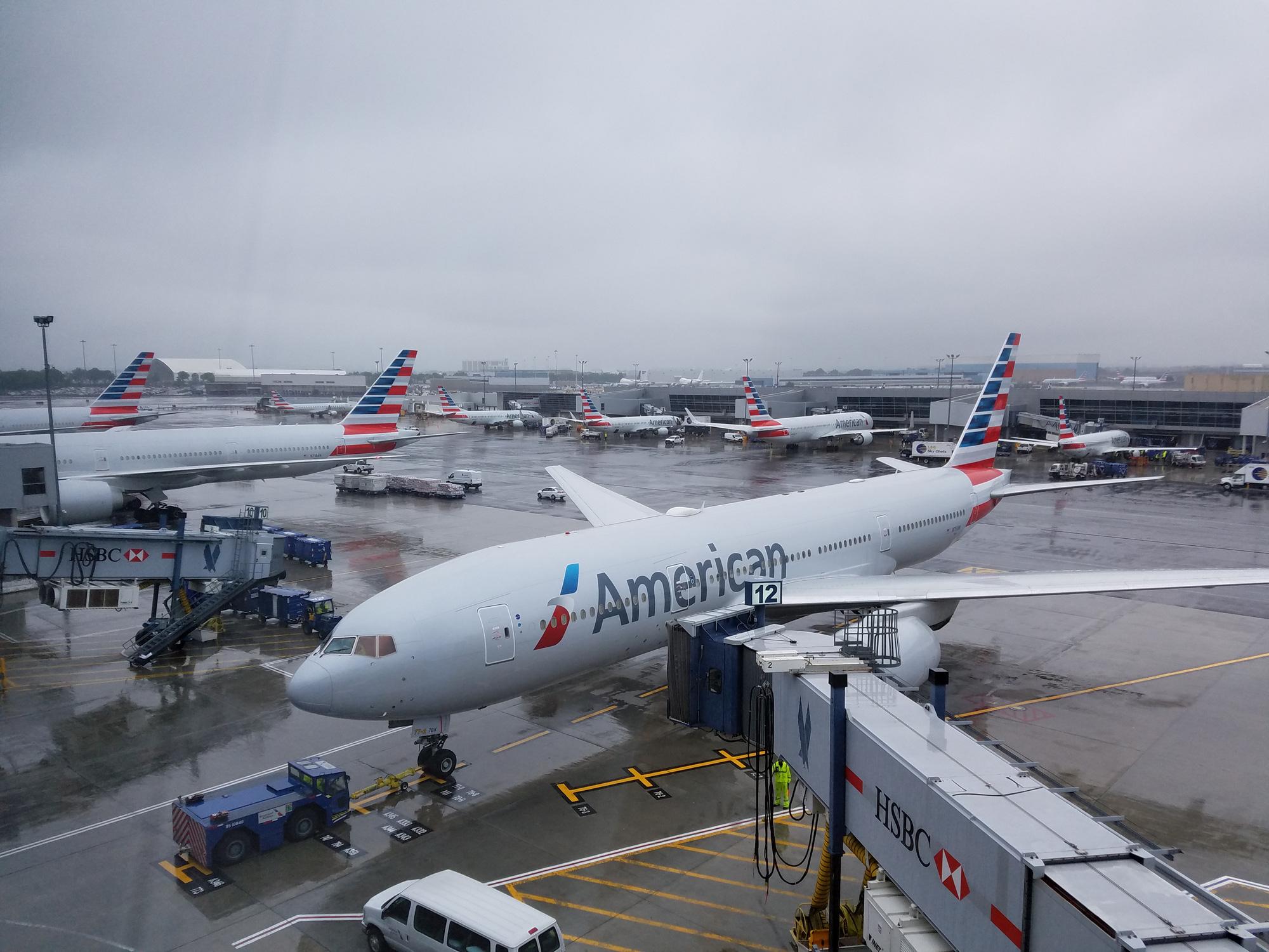 """American Airlines """"đắng cay"""" ngừng khai thác hạm đội máy bay cũ do khủng hoảng dịch Covid-19 - Ảnh 3."""