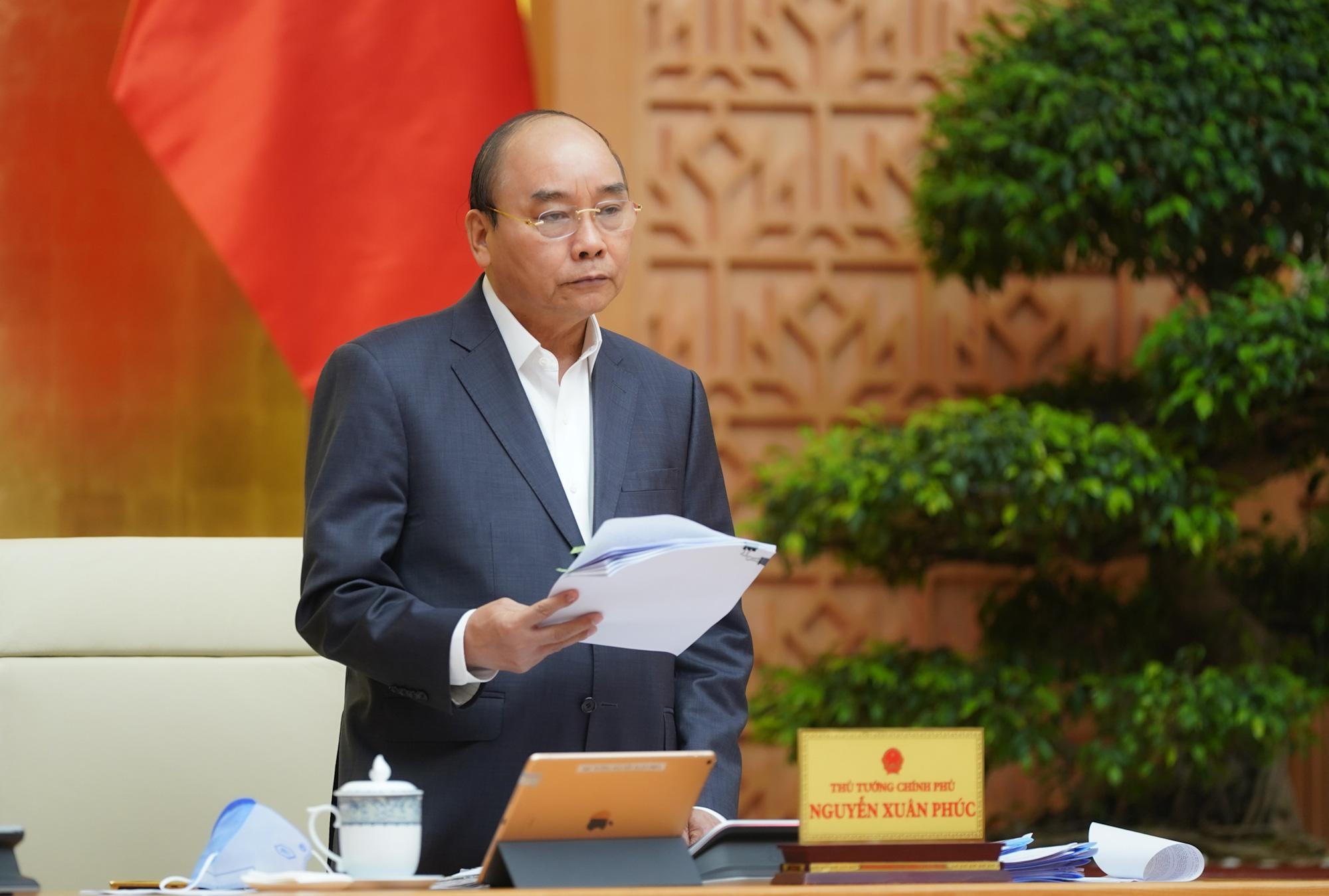 Thủ tướng Chính phủ yêu cầu tăng tốc sản xuất trang thiết bị y tế, máy thở - Ảnh 1.