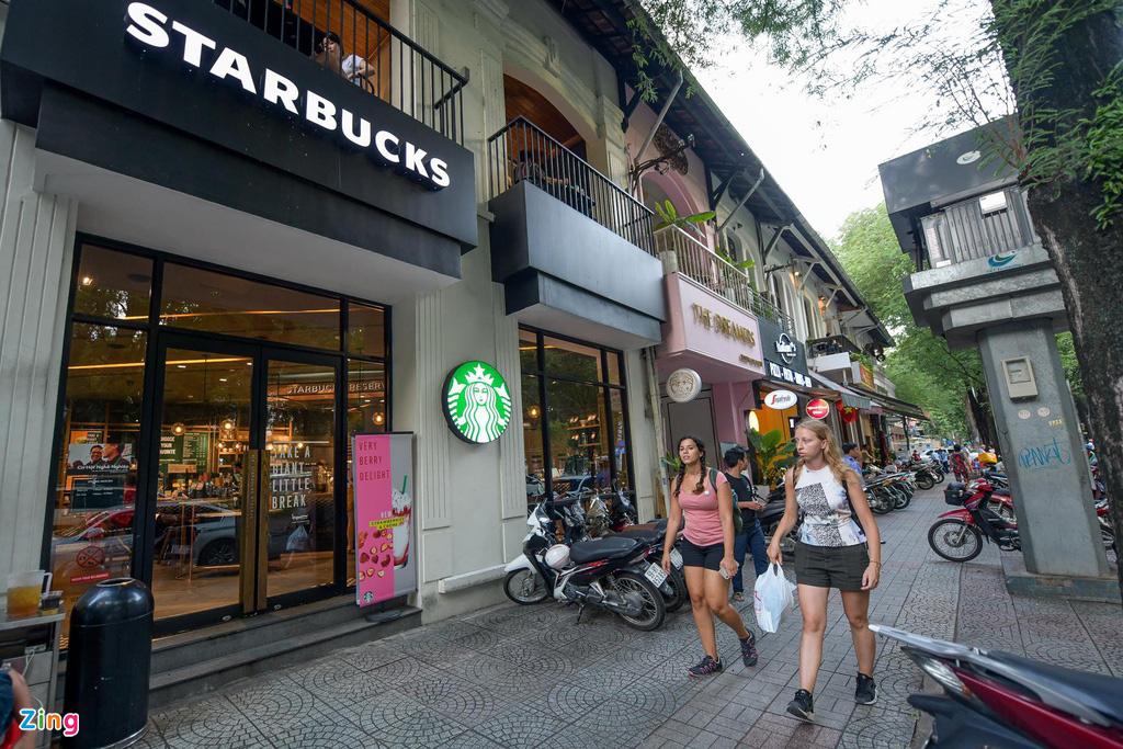 Thế Giới Di Động, Starbucks, Trung Nguyên... xin giảm giá mặt bằng - Ảnh 1.