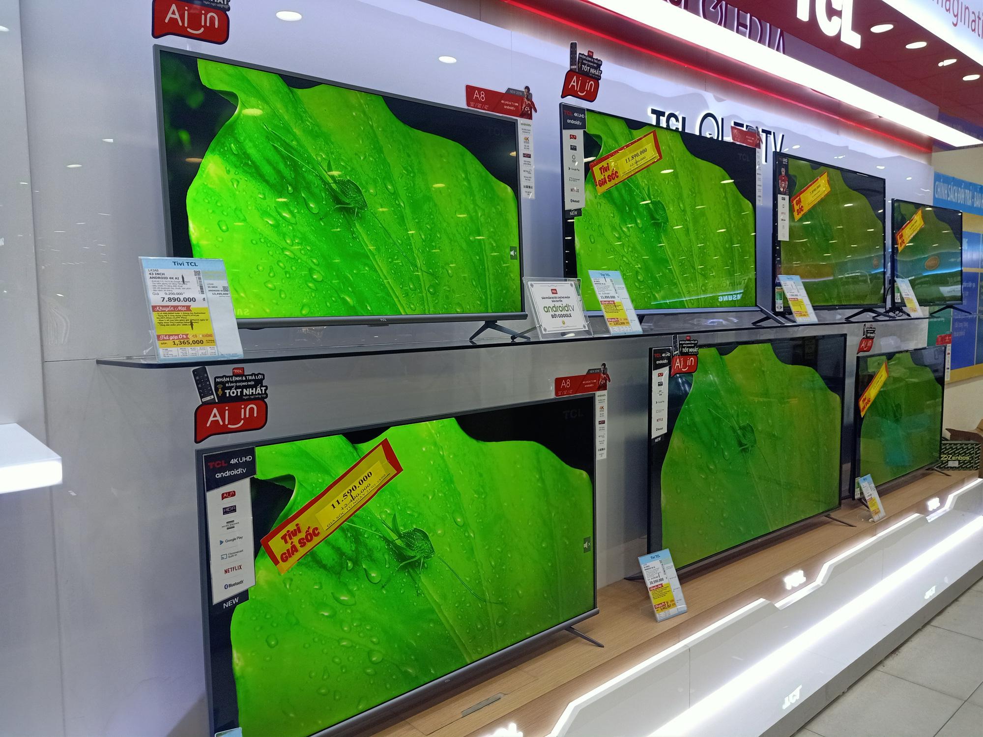 Nhiều tivi giảm giá kích cầu mua sắm để phục vụ cho nhu cầu giải trí tại gia - Ảnh 3.