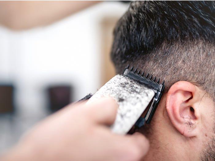Ngoài giấy vệ sinh thì men làm bánh nướng, thịt giăm bông, máy cắt tóc cũng có doanh số tăng vọt ở Mỹ - Ảnh 6.