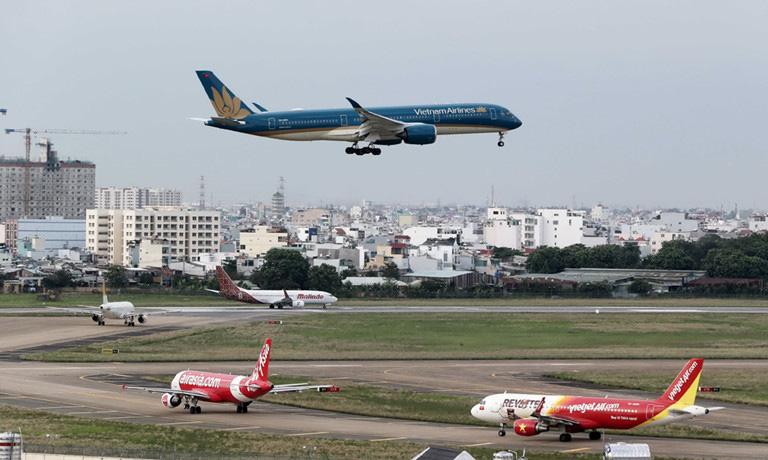 Cục Hàng không tuýt còi Vietnam Airlines, Vietjet và Bamboo Airways bán vé sau ngày 15/4 - Ảnh 1.