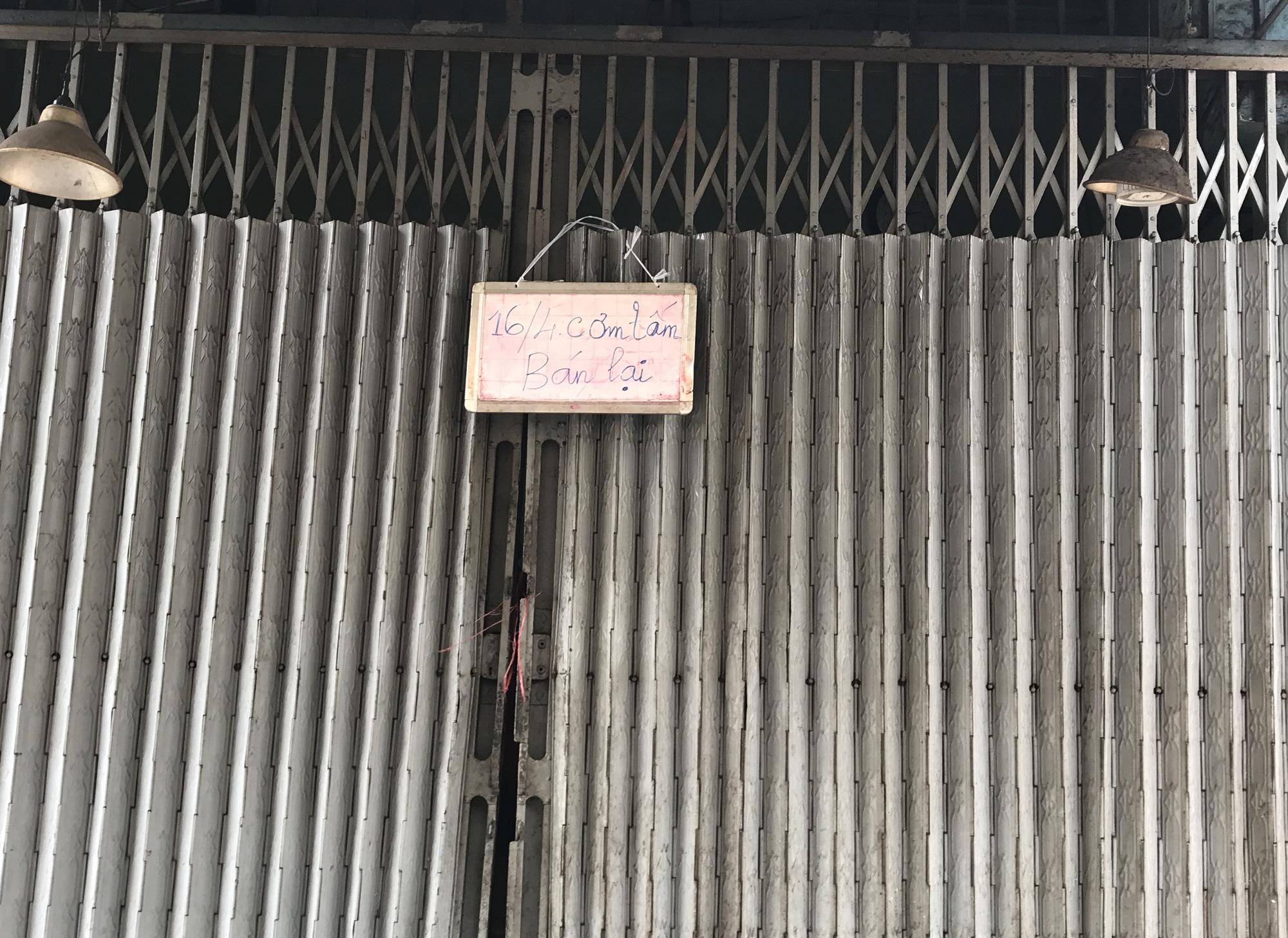 Cửa hàng, quán ăn Sài Gòn nín thở chờ lệnh cách li xã hội - Ảnh 5.
