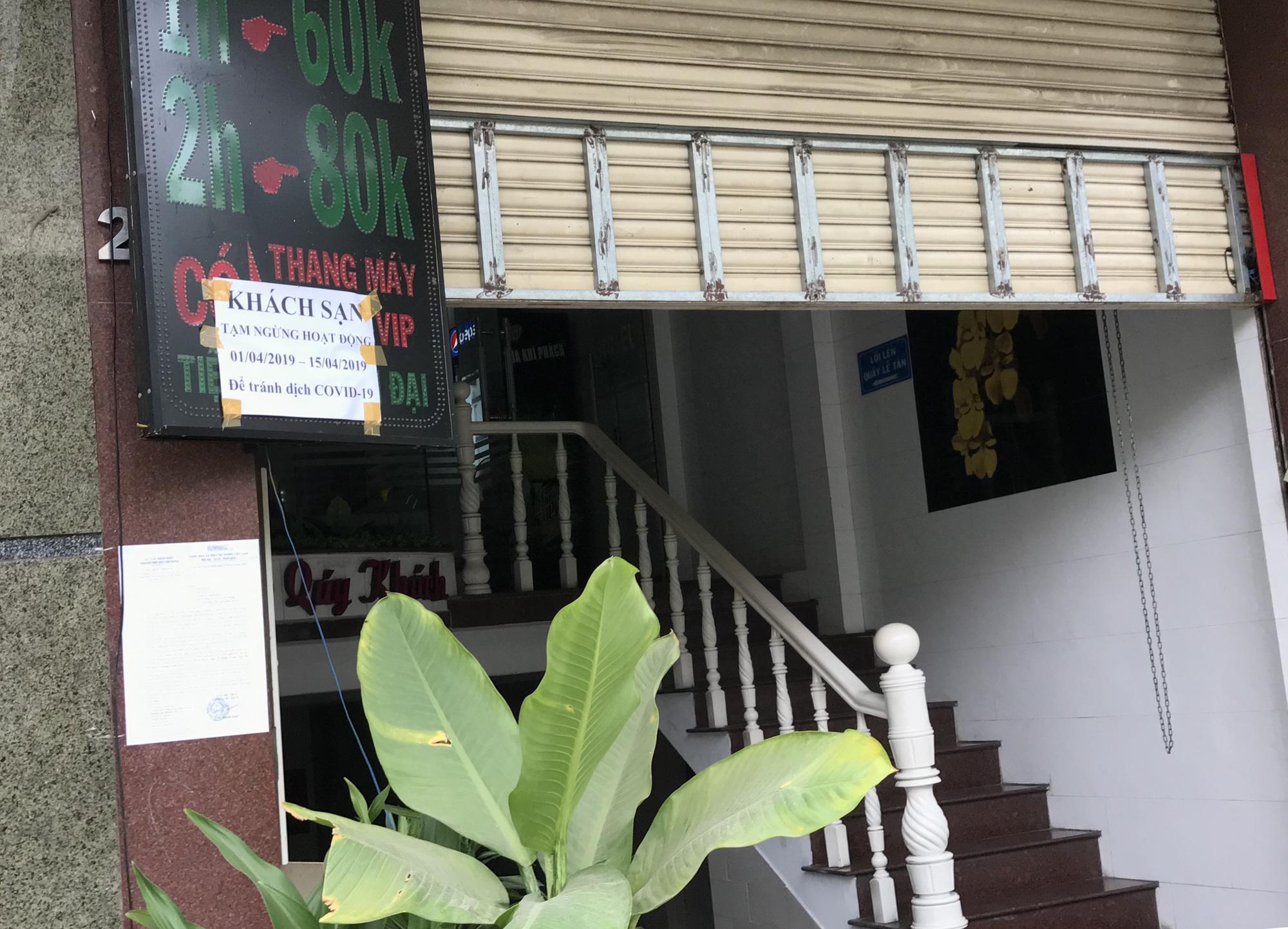 Cửa hàng, quán ăn Sài Gòn nín thở chờ lệnh cách li xã hội - Ảnh 2.