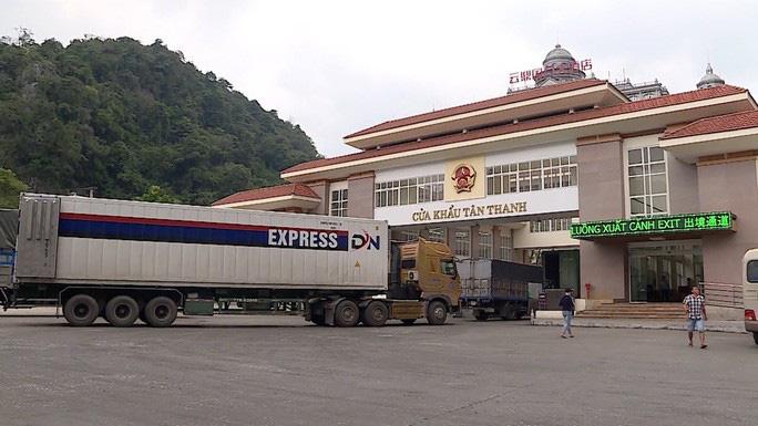 Ùn ứ hơn 1.000 container, Lạng Sơn đề xuất dừng tiếp nhận hàng ở cửa khẩu Tân Thanh trong 15 ngày - Ảnh 1.