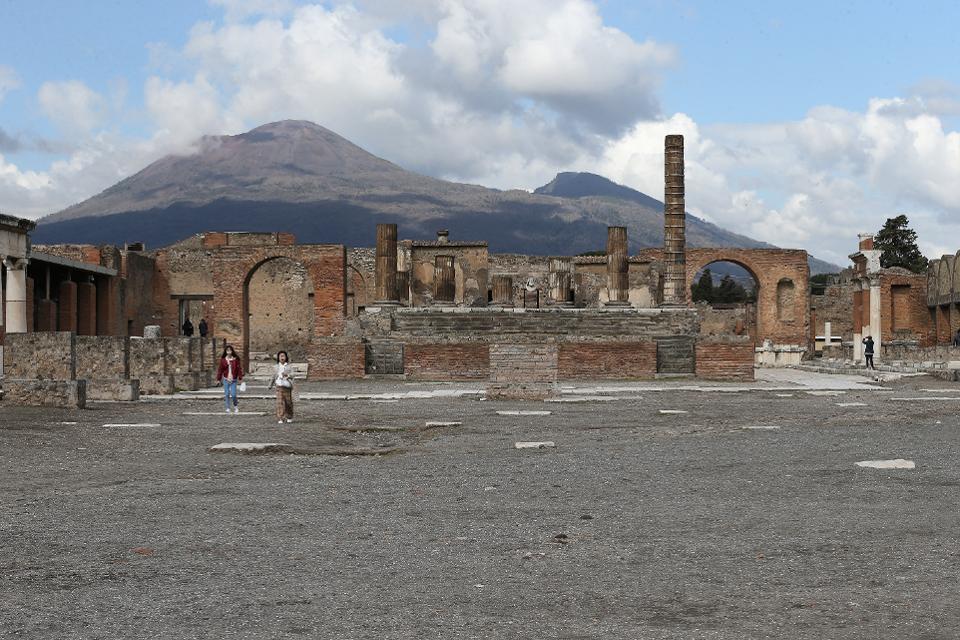 Khám phá 7 di sản UNESCO nổi tiếng thế giới ngay tại nhà trong mùa dịch Covid-19 - Ảnh 4.