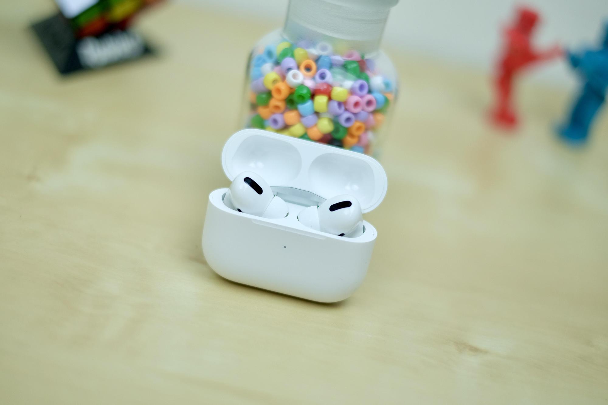 Tat-tan-tat-nhung-thu-ban-can-biet-ve-tai-nghe-Bluetooth-AirPods-Pro-1
