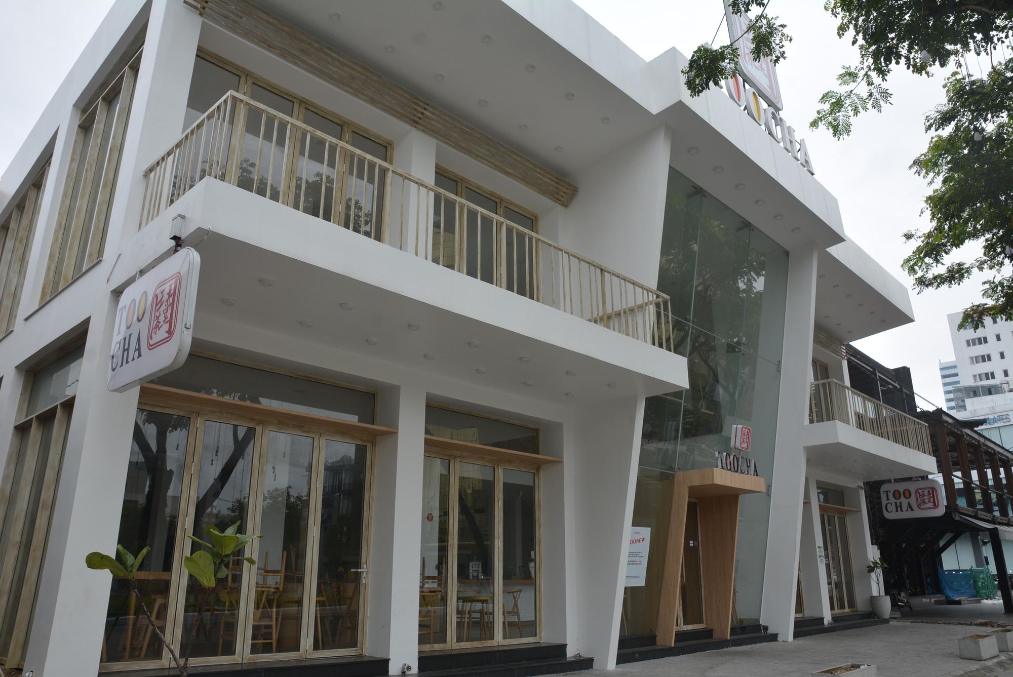 Người Đà Nẵng đi siêu thị mua về nấu ăn dù chính quyền đã cho hàng quán bán online, mang về nhà - Ảnh 7.