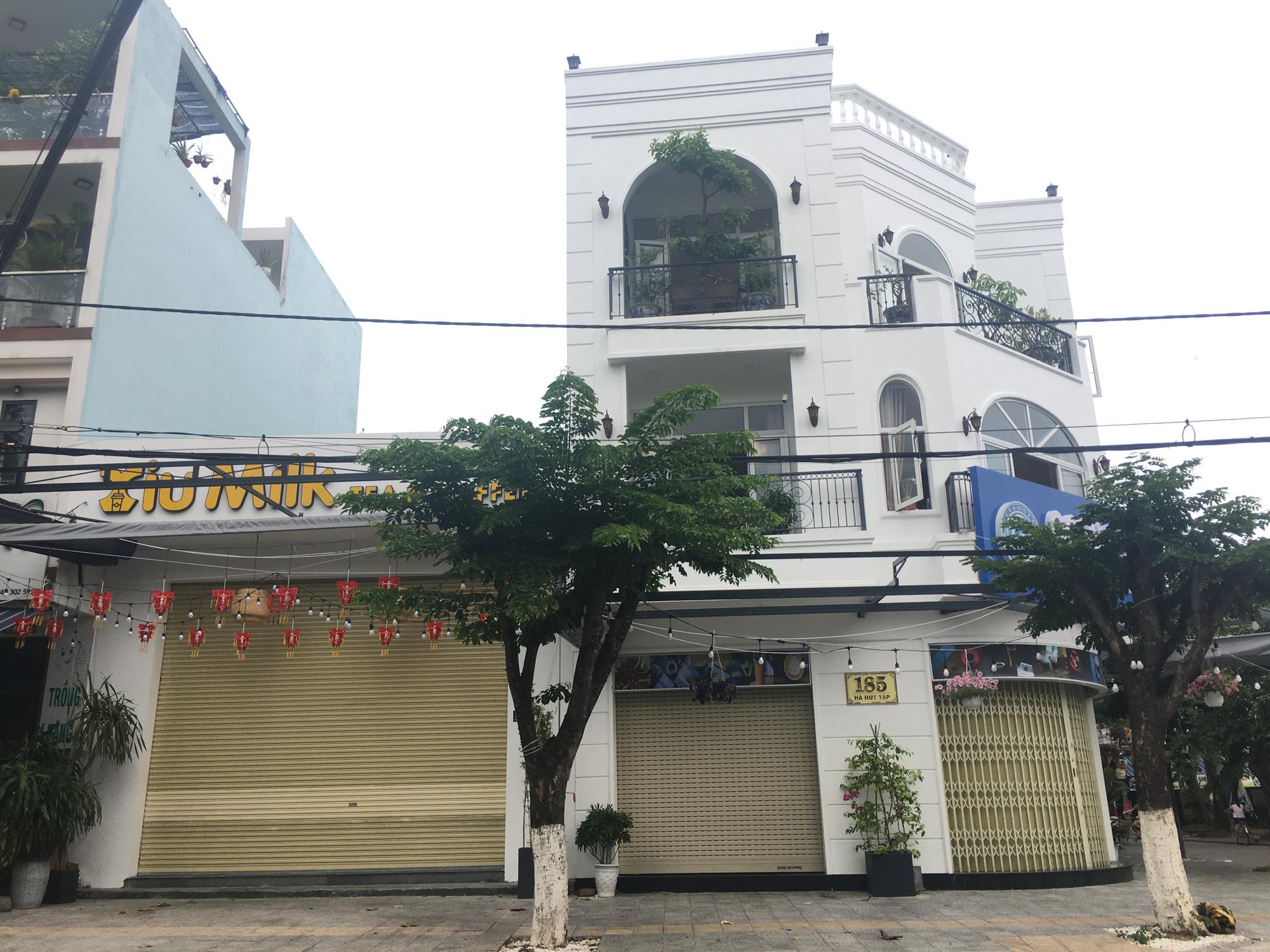 Người Đà Nẵng đi siêu thị mua về nấu ăn dù chính quyền đã cho hàng quán bán online, mang về nhà - Ảnh 9.