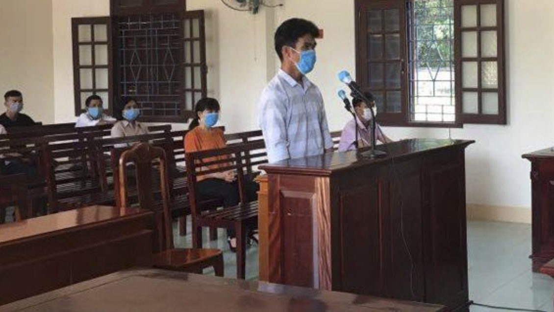 Quảng Nam: Thanh niên hành hung cán bộ chốt kiểm soát dịch Covid-19 bị lĩnh 9 tháng tù giam - Ảnh 1.