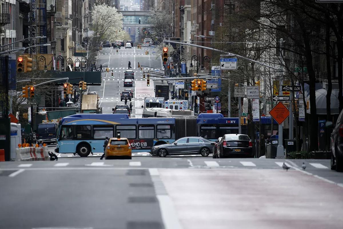 Đường phố New York vắng người vì dịch Covid-19, nỗi lo hung thần xa lộ nhân lên gấp đôi - Ảnh 2.