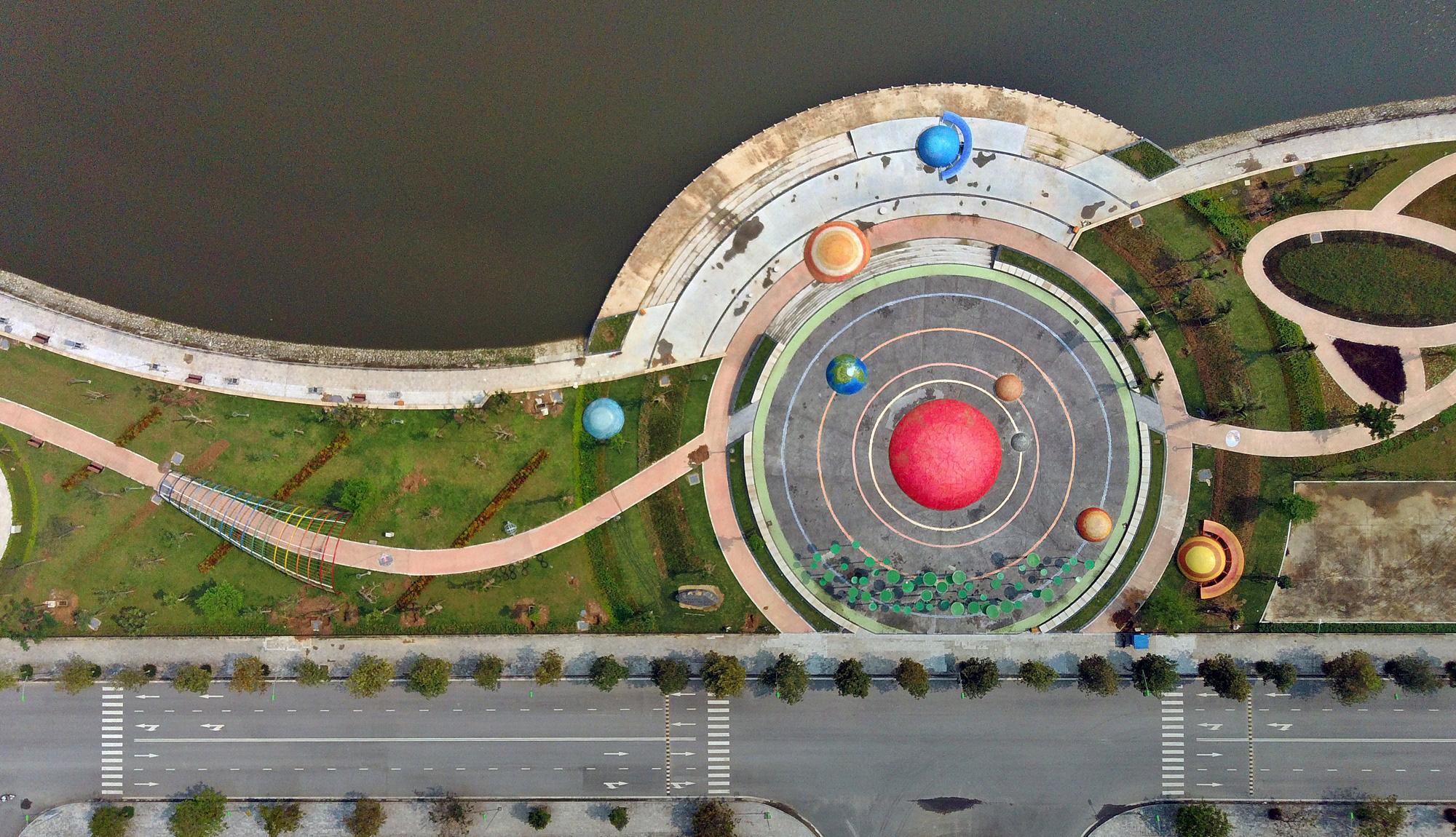 Công viên Thiên văn học đầu tiên Đông Nam Á ở KĐT Dương Nội đẹp lung linh nhìn từ trên cao - Ảnh 11.