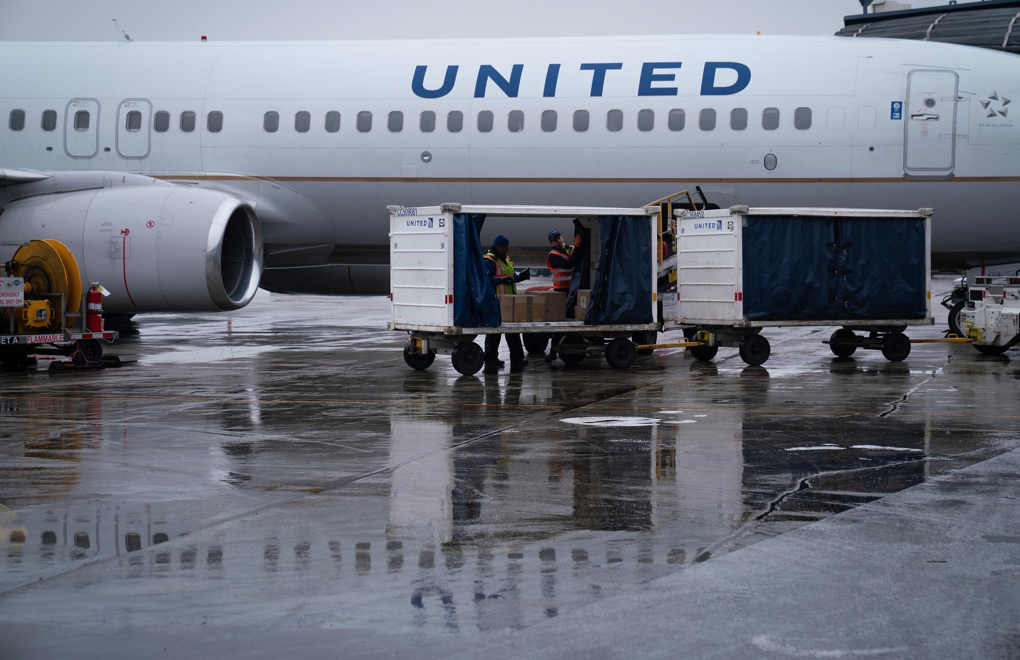 Máy bay nhiều hãng đắp chiếu, chính phủ các nước châu Á cần hỗ trợ ngành hàng không ngay lập tức - Ảnh 2.