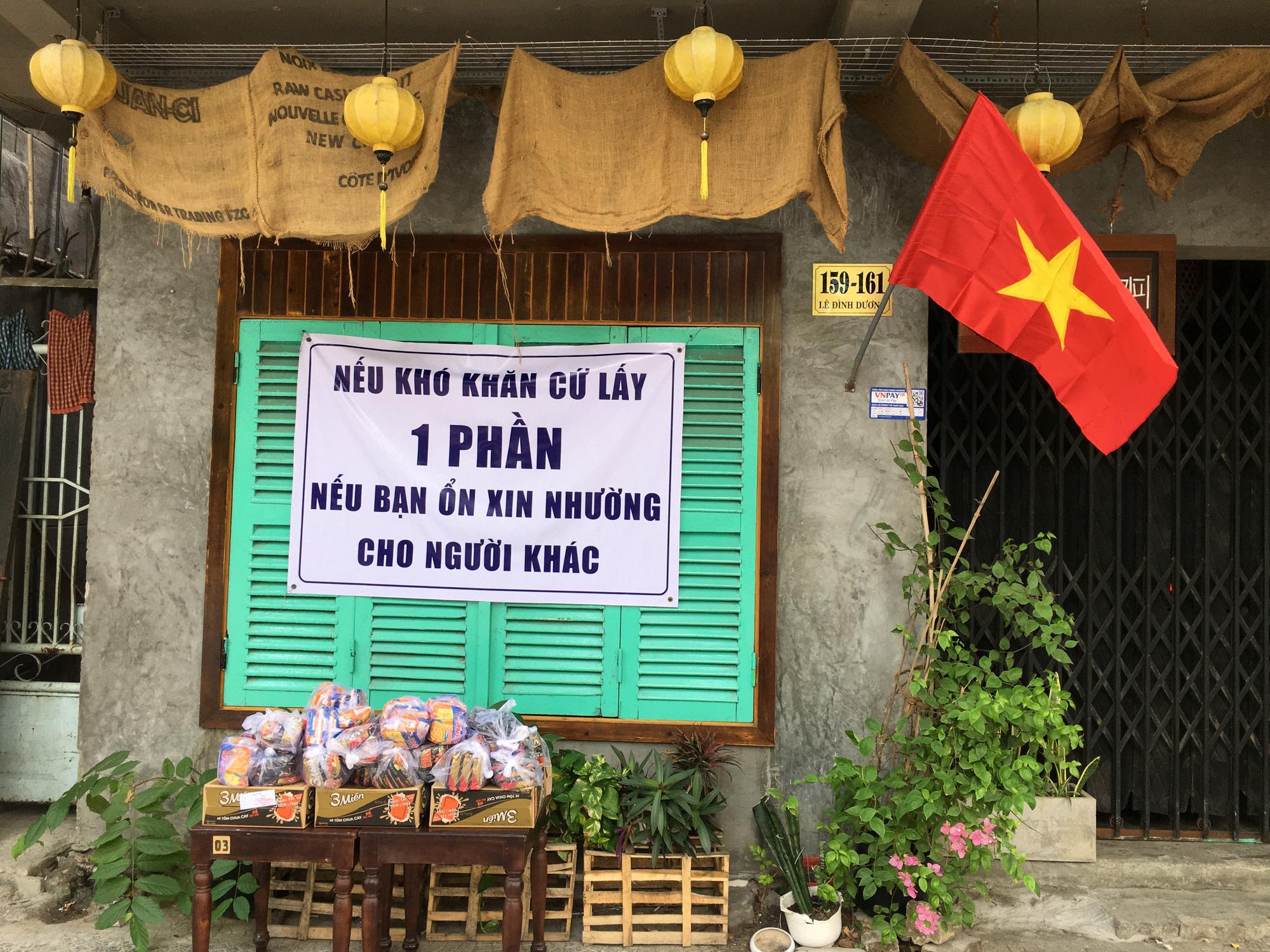 Từ quán cà phê, bánh ngọt đến trà sữa ở Đà Nẵng dừng luôn việc bán online, mang đi khi chính quyền cấm - Ảnh 17.
