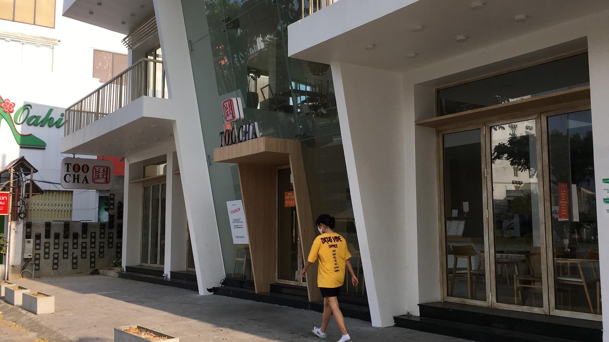 Từ quán cà phê, bánh ngọt đến trà sữa ở Đà Nẵng dừng luôn việc bán online, mang đi khi chính quyền cấm - Ảnh 11.