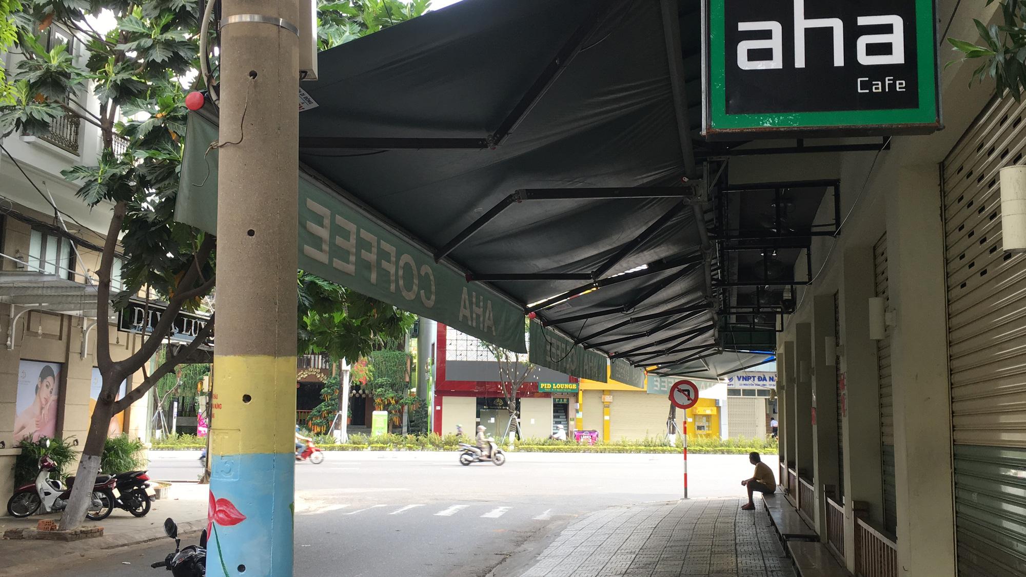 Từ quán cà phê, bánh ngọt đến trà sữa ở Đà Nẵng dừng luôn việc bán online, mang đi khi chính quyền cấm - Ảnh 10.