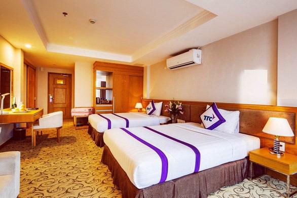 TP HCM có khách sạn đầu tiên thành nơi lưu trú cho y, bác sĩ điều trị Covid-19 - Ảnh 1.