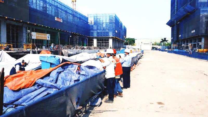 Sở Xây dựng TP HCM khuyến nghị tạm ngừng thi công xây dựng các công trình - Ảnh 1.