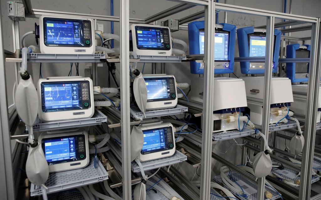 Hàng nghìn máy thở trong kho dự trữ Mỹ bị hỏng - Ảnh 1.